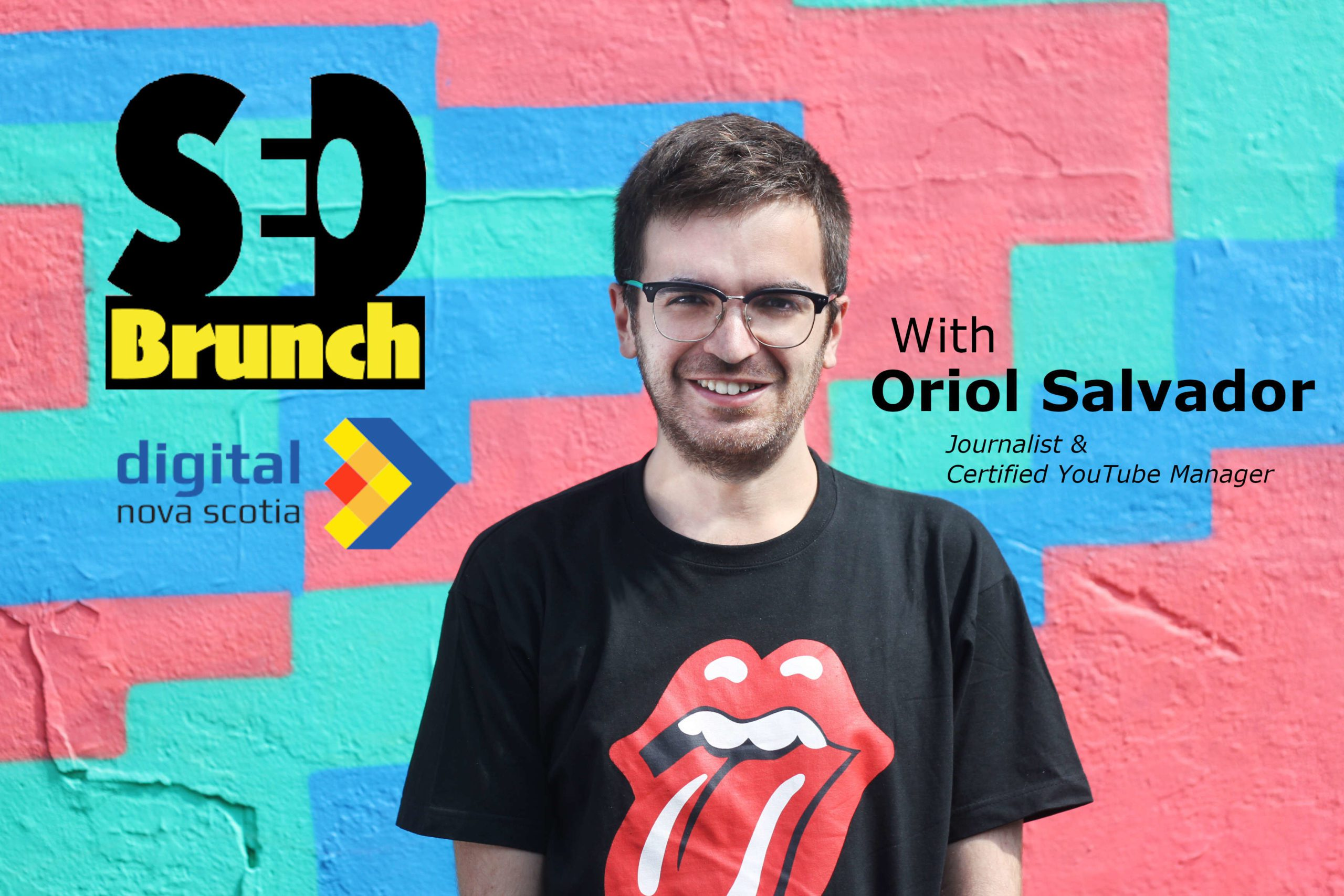 Oriol Salvador in front of a colourful wall with SEO Brunch and DNS logos